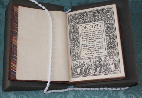 Thomas More, De optimo reip[ublicae] statu, deque noua insula Vtopia Basel: Johann Froben, March 1518 (Thackeray.J.46.7)